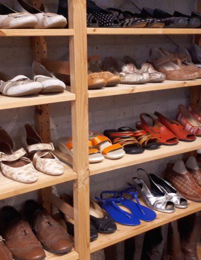 Het schoenenrek met grote keuze.